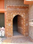 Une belle porte d'immeuble de Ouarzazate