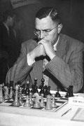 Max Euwe (1935–1937)