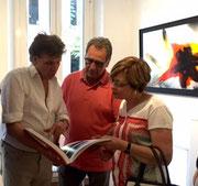 vernissage de l'exposition Tony Soulié 02/07/15 Galerie Gabel Biot (Tony Soulié à gauche)