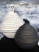 Sophie Hustin. Cocons en terre cuite. Galerie Gabel. Biot. France