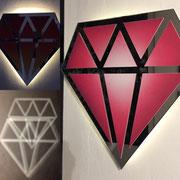 Le diamantaire-street art- Diamant en miroir recyclé, éclairé par des leds à l'arrière- 44X44cm-Galerie d'art-Côte d'Azur-Galerie Gabel-BIOT