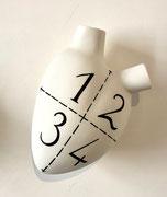 """1 2 3 4 """"I split myself in for parts""""  Coeur en céramique- Fos ceramiche- céramique- galerie Gabel-Biot -designed by Pastore&Bovina"""