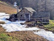 Corte di Fondo 1421 m - Valle di Caneggio