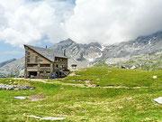 Capanna Quarnei 2108 m - Valle Malvaglia