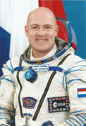 Sojus TMA-03M, NASA -Litho Andre Kuipers
