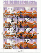 "STS-96 - complete crew handsigned US stamp sheet MNH ""Space Discovery"" incl. Husband ! Unique item handsigned by the entire STS-96 crew : Rominger, Jernigan, Barry, Ochoa, Payton, Tokarev and Rick Husband who was commander of STS-107 Columbia then"