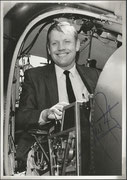 Neil Armstrong photo orig. signed by Neil Armstrong first Moonwalker Apollo 11