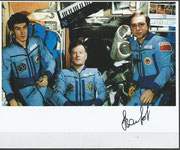 Crew photo Sojus TM-7 orig. signed by A.Wolkow