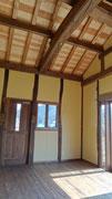 居室の天井は吹き抜けです