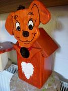 Houten Nestkastje Hond, licht bruin, Details, Vogelhuisje bouwen, voorkant, eindresultaat_1