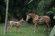 Abdul Ghofur für Driftwood Art Stute mit kleinem Fohlen