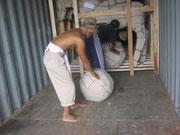 Containerbeladung Yogyakarta root chip ball