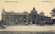 La gare inaugurée le 15 juillet 1858 par la Cie du Nord. On note l'agrandissement de l'aile gauche. (Coll part.)