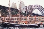 Historischer Dreimaster im Hafen von Sydney