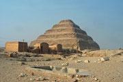 Die Pyramiden von Dahschur. Etwa 10 km südlich von Sakkara liegt die Nekropole von Dahschur.