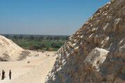 An der Stufenmastaba (Stufenpyramide) des Djoser