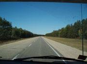 Highway 17 Richtung Winnipeg - Keine Autos... weit und breit.. man fährt allein dahin..