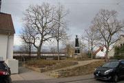 Lindenplatz mit bereits verbauter Aussicht nach Westen