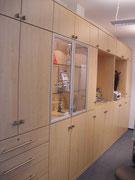 Schrankwand Büro mit abschließbaren Fronten