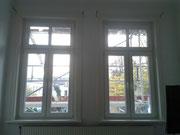 Futter, Bekleidung und Fensterbank in Weißlack