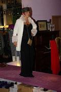 es geht auch elegant, Hose von kookai mit cremfarbenen Mantel von Laziva