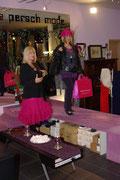 Linde , flott in Rich & Royal und der neuen Lederjacke von Expresso