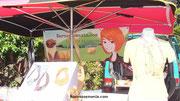 """Banderole ou Calicot sur le stand de la créatrice Magali de l'entreprise Baroussemania réalisé par Cloé Perrotin _ Technique: numériques, assemblage de plusieurs sources (illustration """"tradi"""", vectoriels, etc) sous les logiciels photoshop et illustrator"""