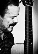 Gitarrist Uwe Kropinski_2  / www.kropinski.com