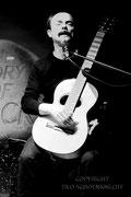 Gitarrist Uwe Kropinski_1 / www.kropinski.com