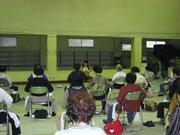 寝屋川市市制60周年記念介護予防イベント 高齢者椅子でヨガ