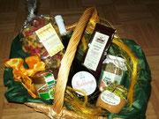 Präsentkorb mit regionalen Produkten