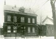 Wohnhaus, Werkstatteinfahrt und Büro der Schlosserei Carl Kaupe, Inhaber Heinrich Roreger Körner Hellweg 17 -  Fotografie 1932