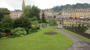Samstag: Der Kurort Bath mit seinen großzügigen Grünanalagen ist der älteste und wohl bekannteste Kurort Englands.