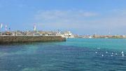 Montag: Blick auf den Hafen von St. Ives.