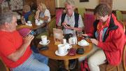 Mittwoch: Mittagspause in Falmouth - Zeit für die Kommunikation mit den Handys.
