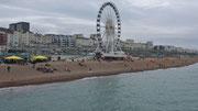 Samstag: Vergnügungsparks am Strand von Brighton.