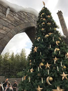クリスマスツリーのオーナメントは魔法の杖で動きました