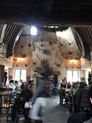 レストラン「三本の箒」