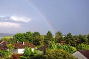 Regenbogen vom Balkon aus gesehen
