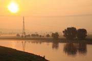 Sonnenaufgang an der Elbe am 12.05.2011 bei Dresden Niederwartha.