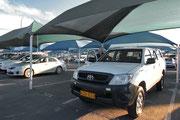 Flughafen Windhoek, unser Toyota Hilux für die nächsten 3 Wochen !