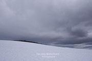 Les hauteurs enneigées d'Isafjordur