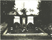 Die Grabstätte auf dem Glashütter Friedhof 1926; Foto Max Rische