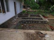 Das Fundament für die Technik und WC Anlage vom Pool