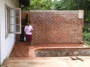 Der Anbau für die Technik und WC Anlage vom Pool