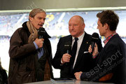Roger Berbig (L, ehemaliger GCZ Torhueter und Praesident) und Karl Odermatt (FCB Legende) vor dem Spiel
