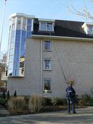 Ook hogere dakkapellen kunnen goed telescopisch worden gewassen