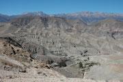 """Felslandschaft - oder sollte man sagen """"Mondlandschaft"""" ? - auf der Fahrt von Arica nach Putre"""