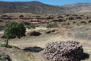 Picillacta war ein religiöses Zentrum der Vorinkazeit und Militärstützpunkt. Viele der bis zu 12 m hohen Mauern stehen heute noch und vermitteln ein gutes Bild, wie die Stadt mit ihren engen Gassen und Plätzen ausgesehen haben mag.