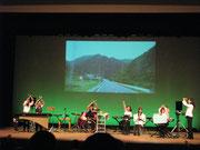 東北ツアーの映像とともにピュアの綺麗な演奏が行われました。